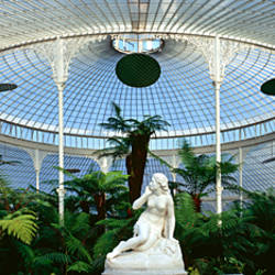 Statue of Eve in a glass house, Kibble Palace, Glasgow Botanic Gardens, Glasgow, Scotland