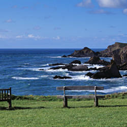 Empty bench on the coast, Hartland Quay, Bideford, North Devon, Devon, England