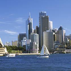 Australia, New South Wales, Sydney, Sydney harbor, View of Sydney Opera House and city