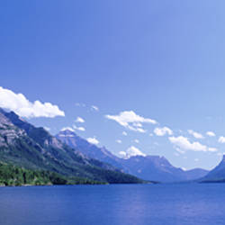 Canada, Alberta, Waterton Lakes National Park, Glacier National Park, Mountain range along a lake